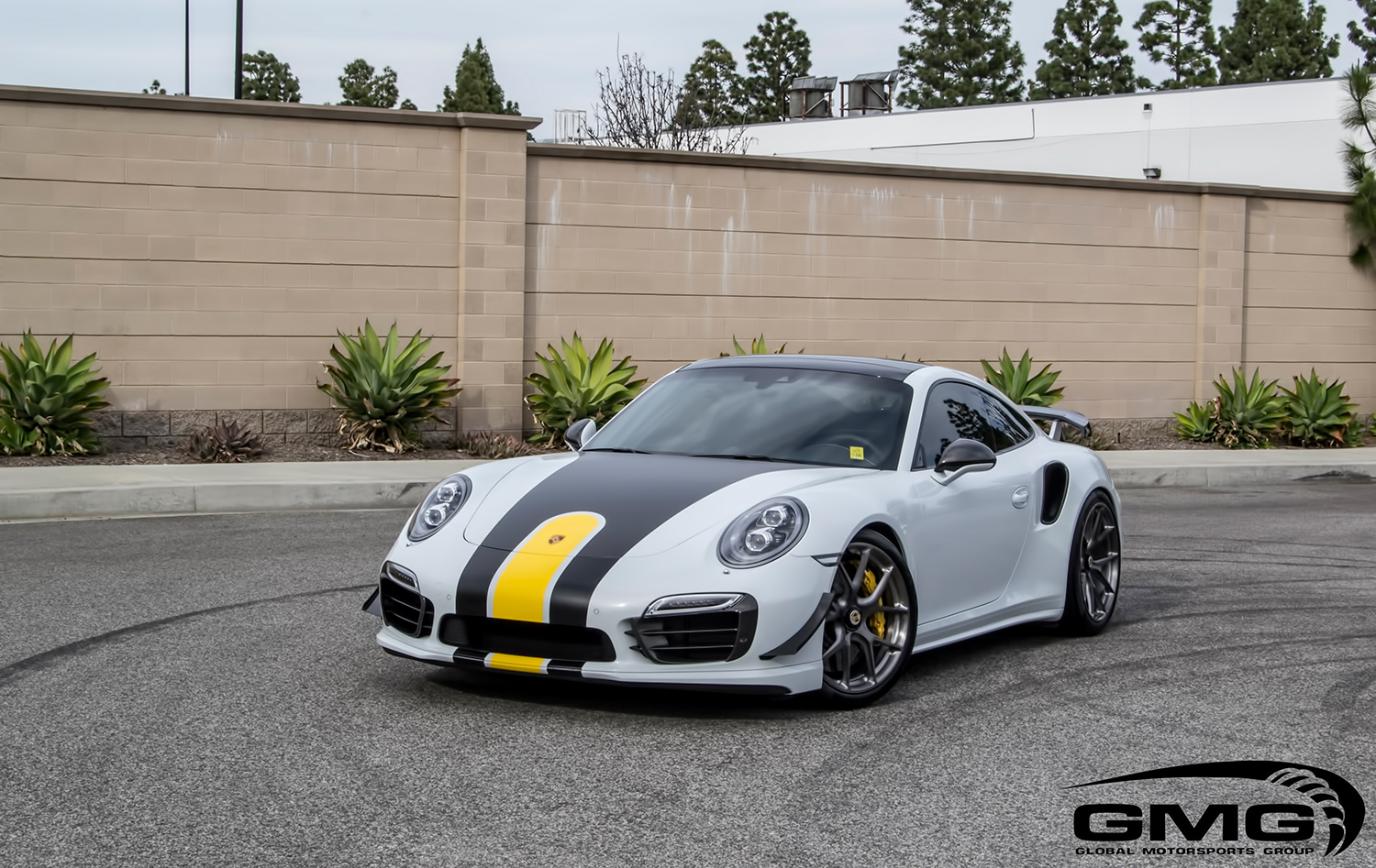 Porsche 991.1 Turbo S (White, Black, & Yellow)