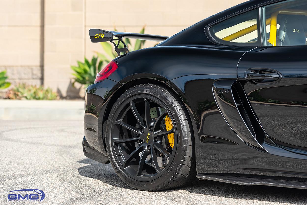 Porsche GT4