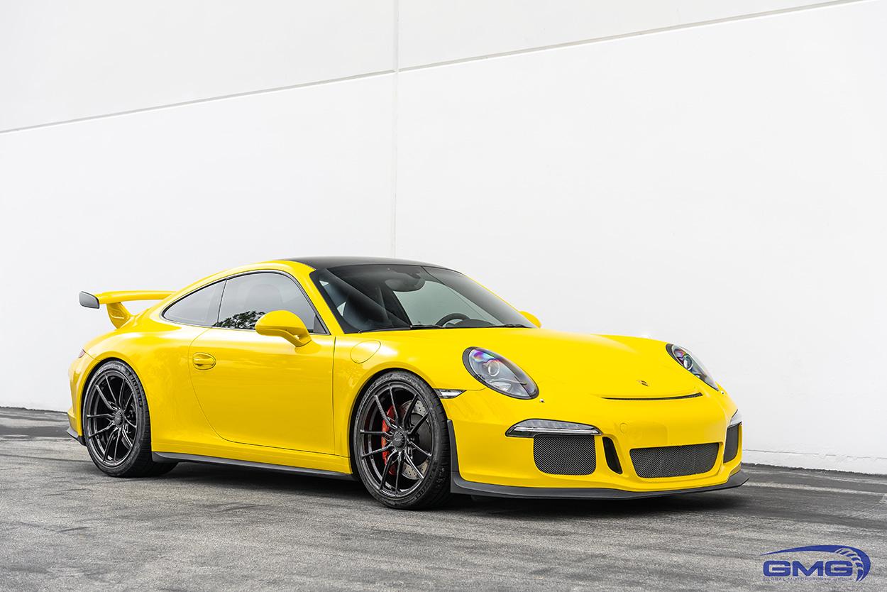 Racing Yellow Porsche 911 991.1 GT3