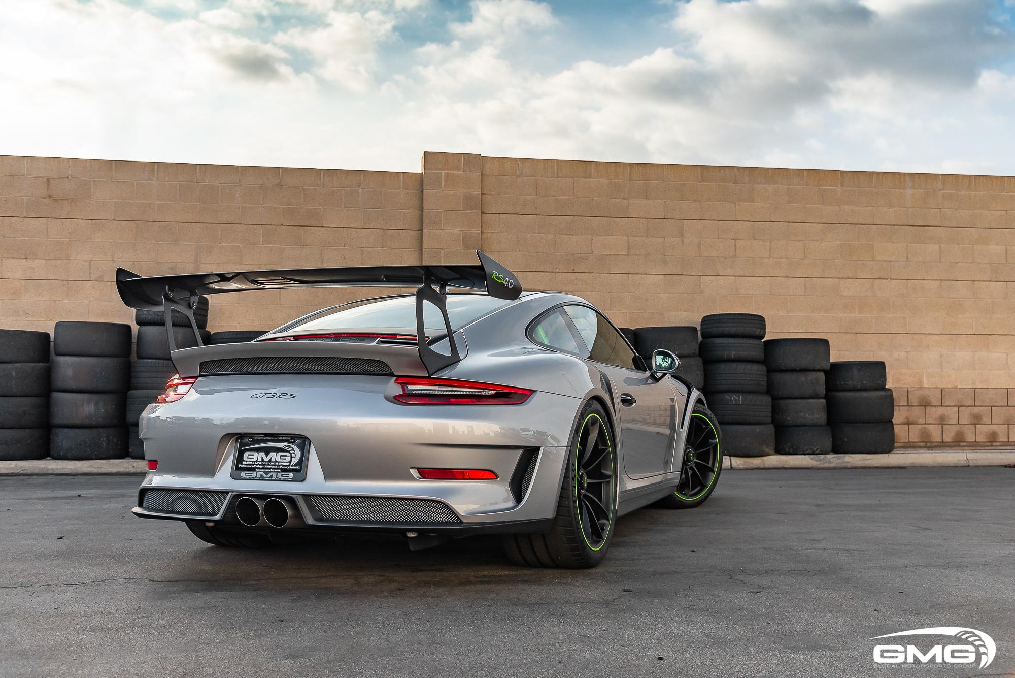 Silver Porsche 991.2 GT3 RS