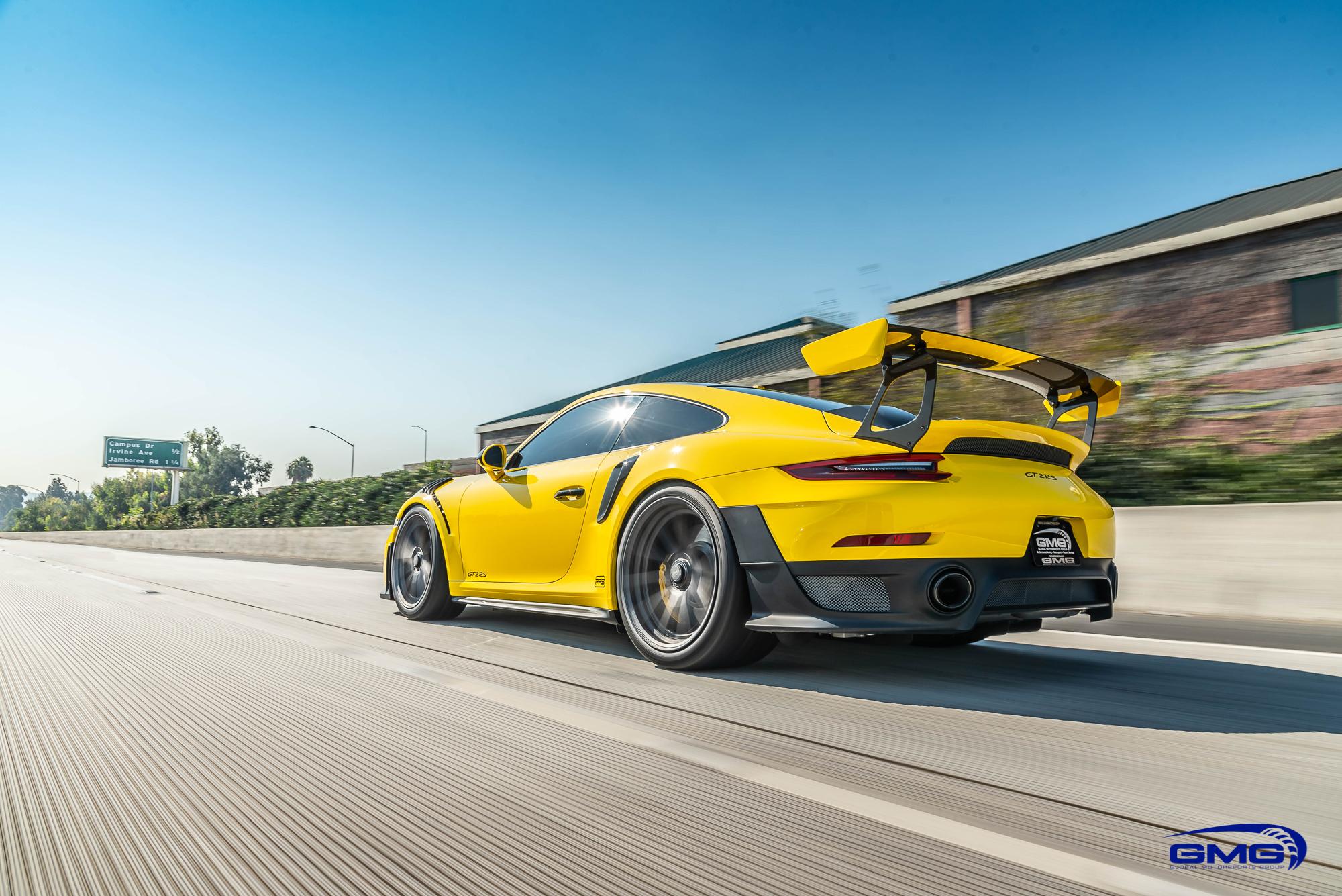 Racing Yellow Porsche 991 GT2 RS